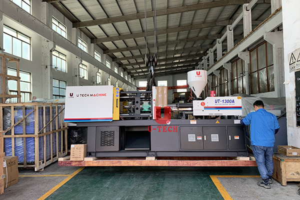 Automatic injection moulding machine ready ship to Roumania